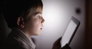 luz-de-dispositivos-afecta-la-vista