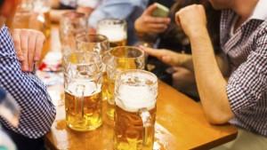 Dos vasos de cerveza es la dosis recomendada.