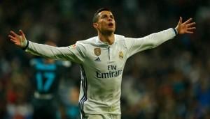 El portugues marcó tres goles.