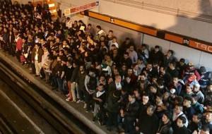 nota-ciudad-caos-en-la-linea-7-del-metro-por-paro-de-trabajadores201712548